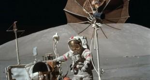 astronaute_lune_pluie_meteo_parapluie_