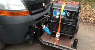 Une voiture électrique Kangoo munie de son groupe électrogène additionnel