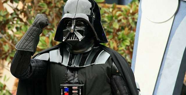 Dark vador condamn pour avoir dissimul son visage dans l 39 espace public science info - Visage de dark vador ...